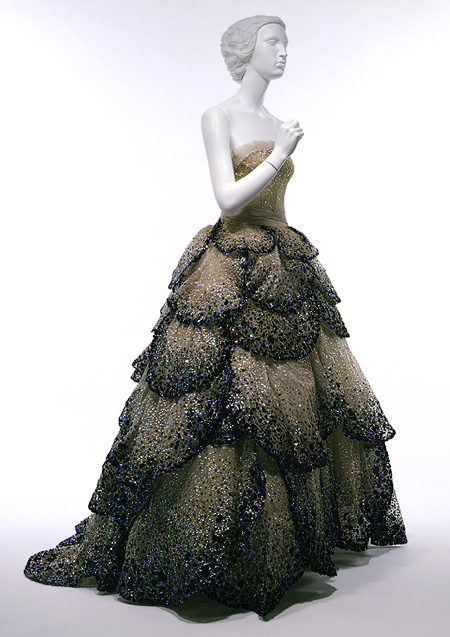 A bit of vintage dior string of pearls for 50 haute couture